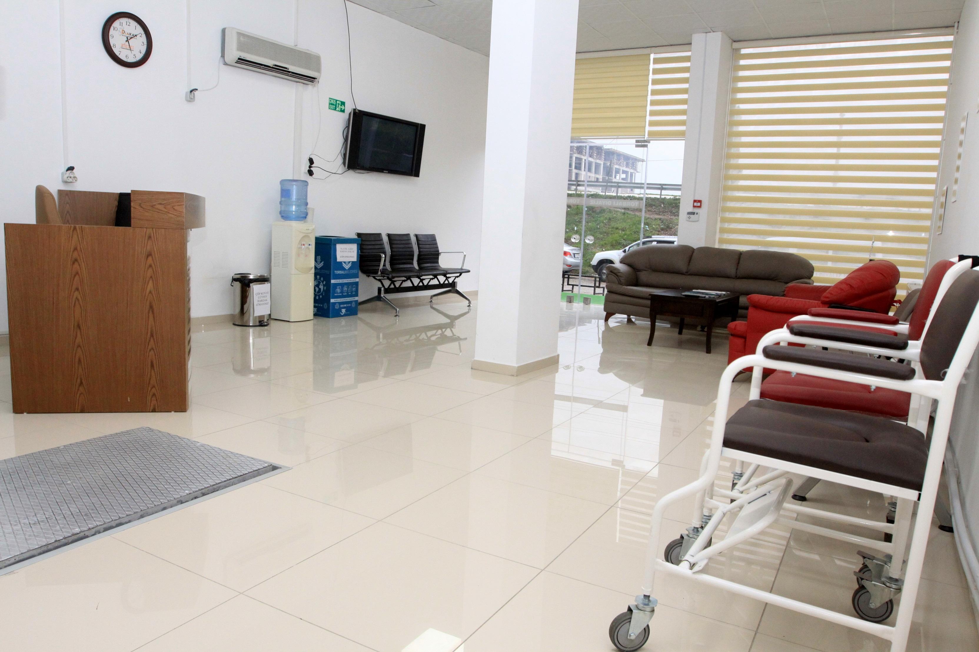 Torbalı Diyaliz Merkezi Hasta Bekleme Salonu
